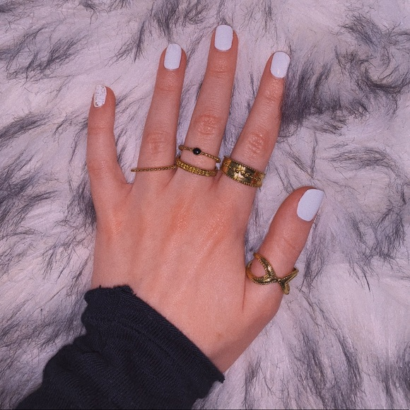 Nasty Gal Jewelry - 5 Boho Stackable Gold Rings